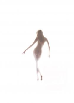 nude-on-light-5