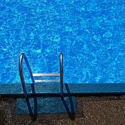 swimming-pool-steps